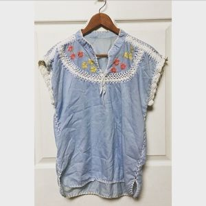 Vintage 70s Embroidered & Crochet Peasant Top
